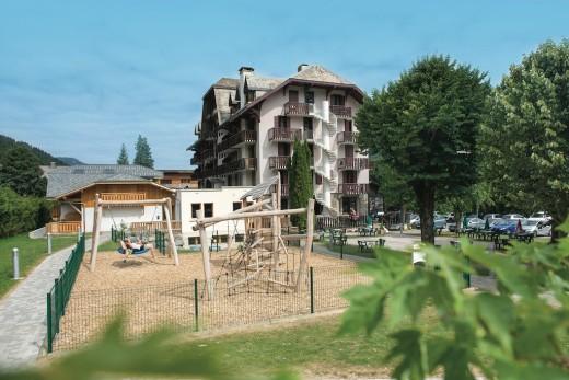 Stages Tennis + Village...