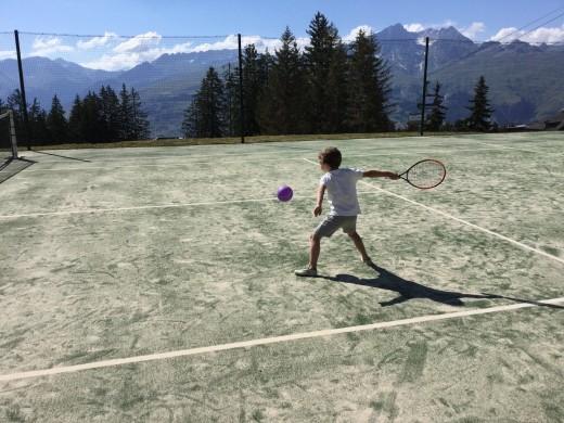 Les Arcs mini tennis course...